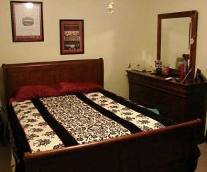 Bedroom, St Charles