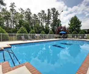 Pool, Foxridge