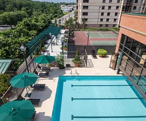 Tennis Court-Pool-Barbecue Area, Huntington Gateway