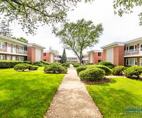 Wheaton Court, Winfield, IL