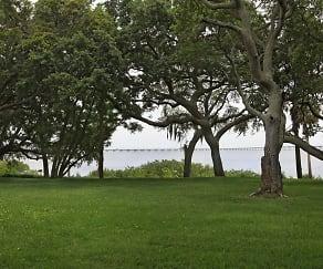 Building, Bayside Arbors