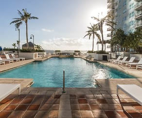 Pool, Yacht Club at Brickell Apartments