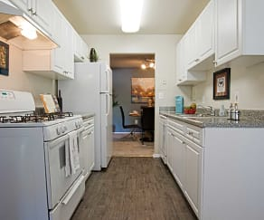 Kitchen, Avery Park Apartment Homes