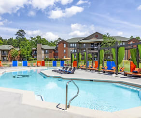 Pool, The Hub at Auburn