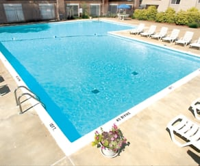 Pool, Grand Oaks Apartments