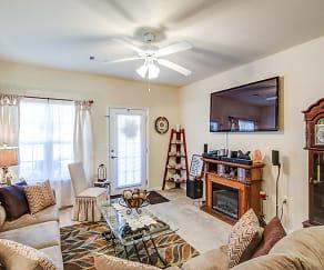 Living Room, Lynnview Ridge Apartments