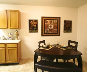 Dining Room, Willow Cove