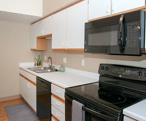 Kitchen, The Colony Apartments at Williamsburg Village