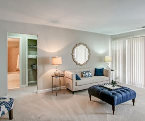 Living Room, Crystal Springs Apartments