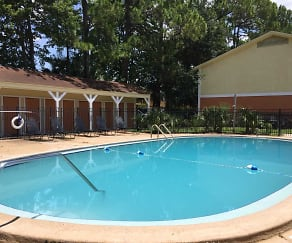 Pool, La Esperanza