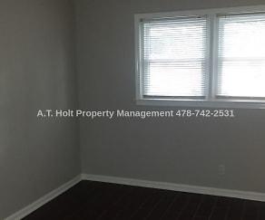2461 Charlene Court, 31206, GA