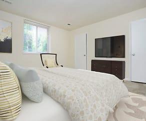 Quail Hollow Apartment Homes, Glen Burnie, MD