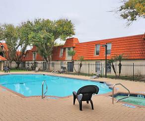 Pool, Vintage Square