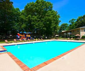 Pool, Preston Trails