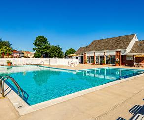 Pool, Weblin Place Apartments