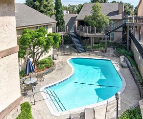 Pool, Heatherwood Apartments