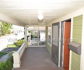 Patio / Deck, 709 W 75th St