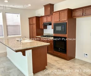 Kitchen, 2510 Mustang Dr