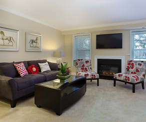 Living Room, Meadowbrook Apartments