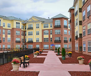 Courtyard, Westville Village Apartments