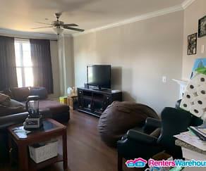 Living Room, 705 Shelton Ave