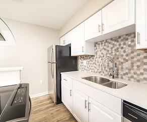 Kitchen, Lincoln Pointe