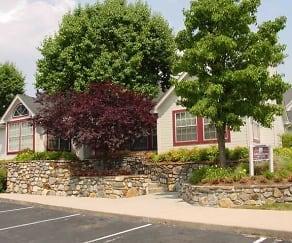 Building, Summit At Roanoke