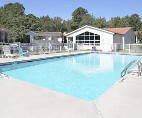 Pool, Magnolia Manor