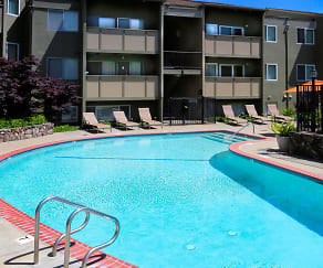 Pool, Townhouse Plaza