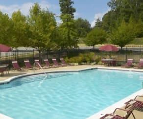 Pool, Glen Ridge Commons