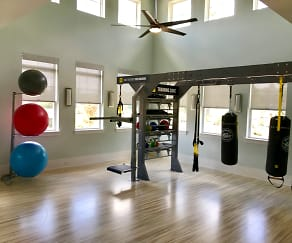 Fitness Weight Room, Keystone At James Landing