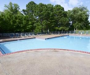 Pool, Woodchase