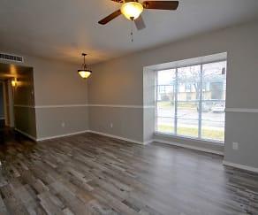 Highland Hills Apartments, 75241, TX