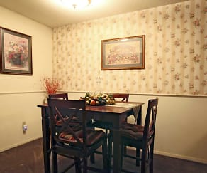 Dining Room, Creekside Apartments
