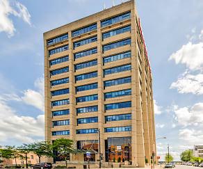 Building, 735 West