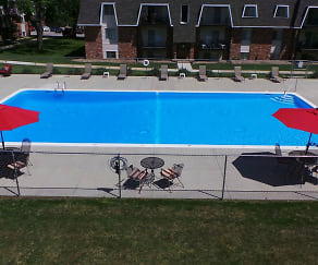 Pool, Edgemont Park Apartments