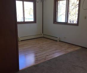 dining room, 6404 Maywood Ave.