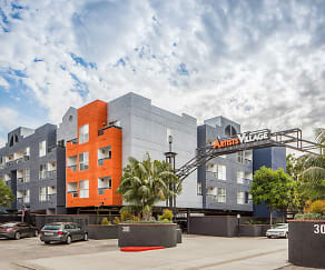 Live in the Heart of the Artists Village District of Santa Ana!, Artists Village Apartments