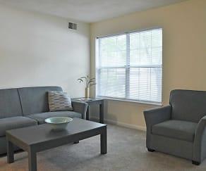 Living Room, Amhurst III Apartments
