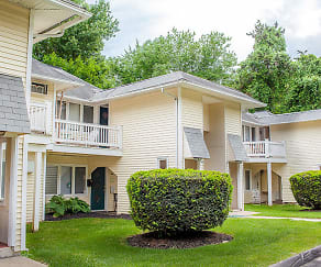 Woodbury Knoll Apartments, Brookfield, CT