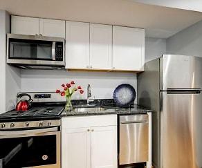 Kitchen, 1141 Owen Place NE