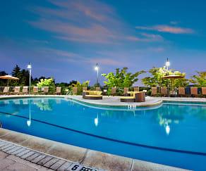 Pool, Alister Nanuet