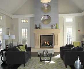 Living Room, Knoll Crest