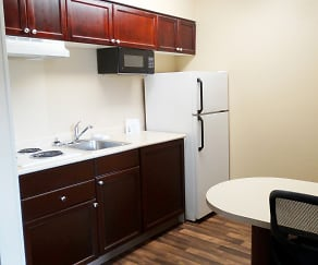 Kitchen, Furnished Studio - Phoenix - Airport - E. Oak St.