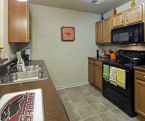 Kitchen, Reserve At Saluki Pointe