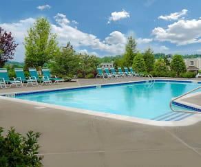 Pool, The Glen at Sugar Hill