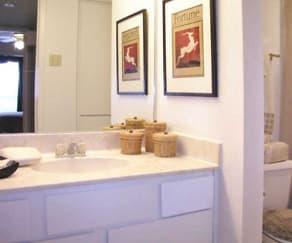 Bathroom, Walnut Terrace