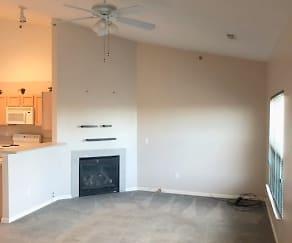 Living Room, 43051 Strand