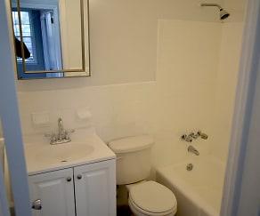 Bathroom, 94 Myrtle Ave