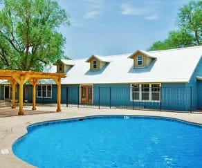 Pool, Boston Creek